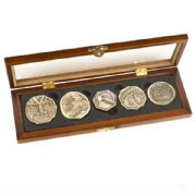 Dwarven Treasure Coin Set Prop Replica from The Hobbit
